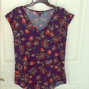 SOFT FLORAL TOP FROM EXPRESS SIZE XS